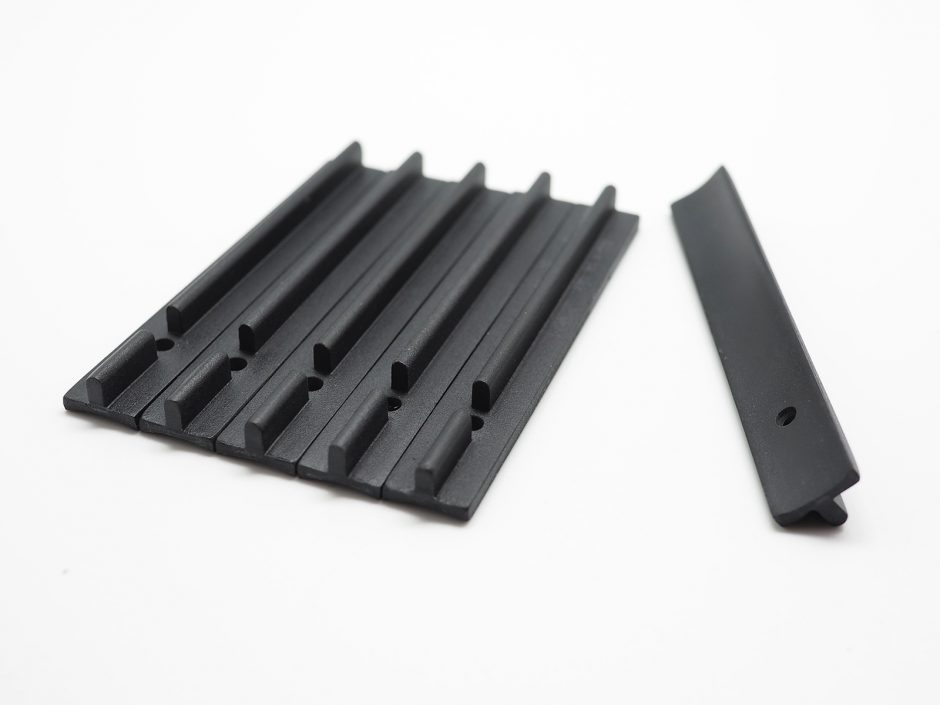 Set of 6 resin T-tracks